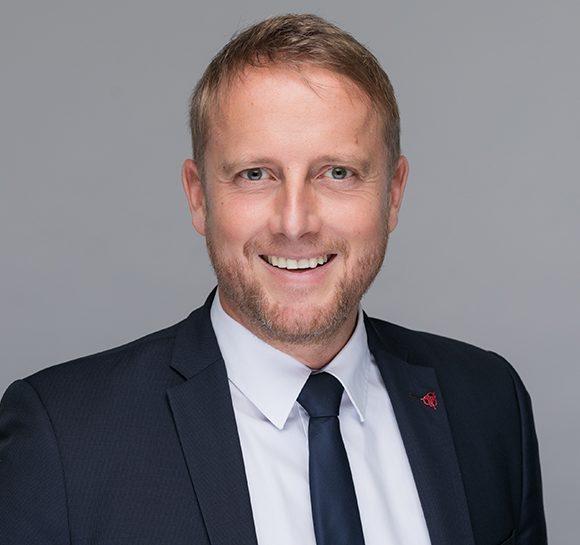 Dr. Dirk Hecker